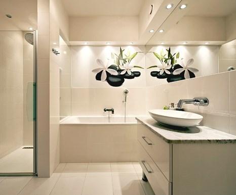 Как осветить ванную комнату без окон