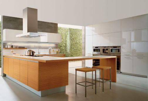 Современная кухня и столовая