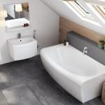 Как украсить ванную комнату со скосами