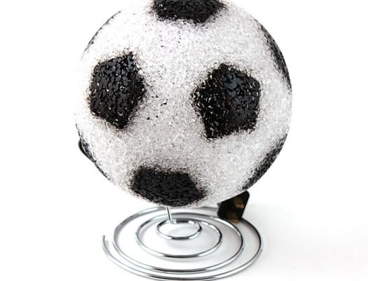 Настольная лампа из футбольного мяч