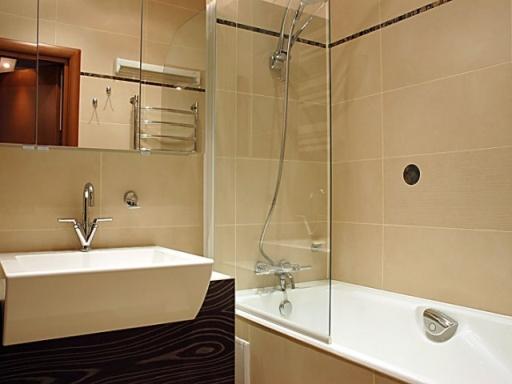 Как установить ширму на ванной комнате